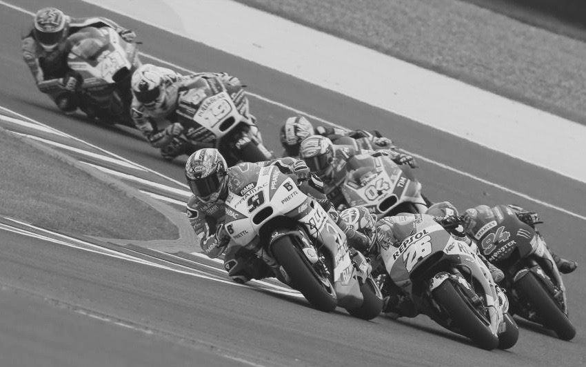 Petrucci, making friends. Foto: MotoGP