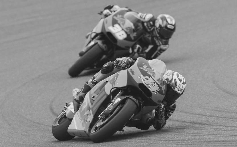 Antes el codo que la rodilla. Foto: MotoGP