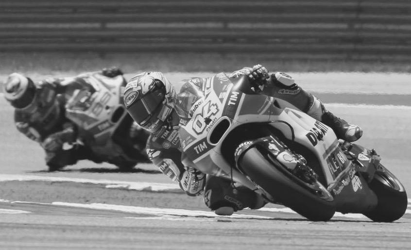 Dovizioso, delante de Lorenzo. ¿Volverá el martillo? Foto: MotoGP