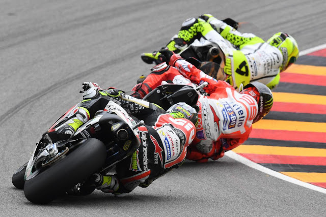 Tras un cero, Bautista se resarce por delante de Lorenzo. Foto: MotoGP