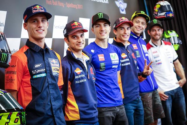 ¿Quién entraría por la puerta? Foto: MotoGP