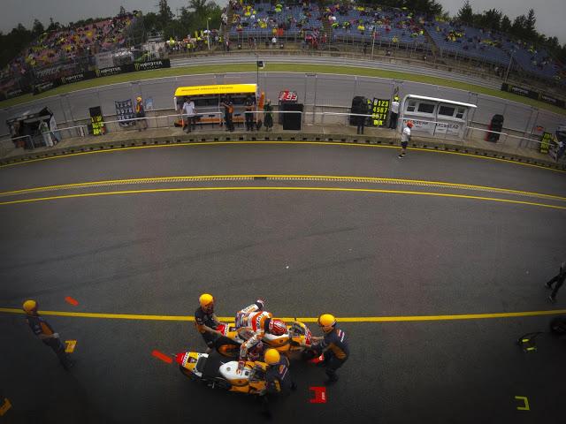 Márquez fue el primero en cambiar de moto. Foto: MotoGP