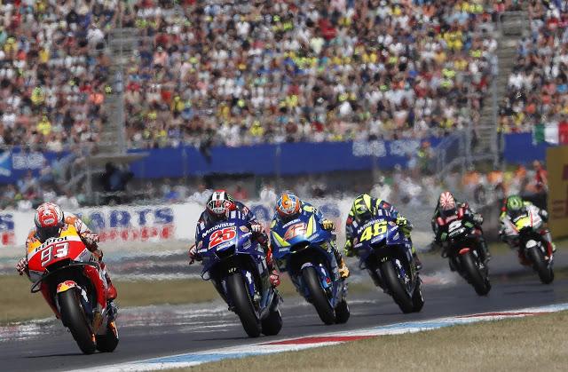 Grupeto de campeones del Mundo. Foto: MotoGP