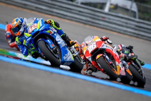 Rins y Pedrosa brillaron un ratito. MotoGP