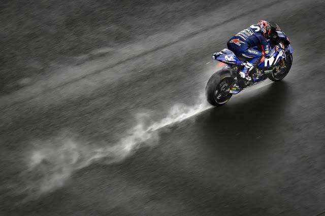 A menos, a más y se cayó. MotoGP